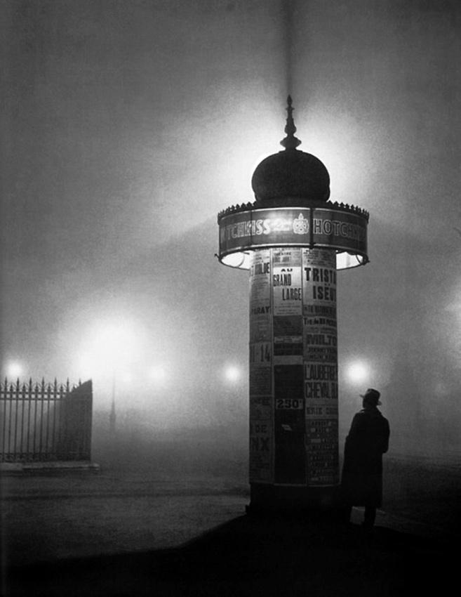 17 - Brassai - Paris at night