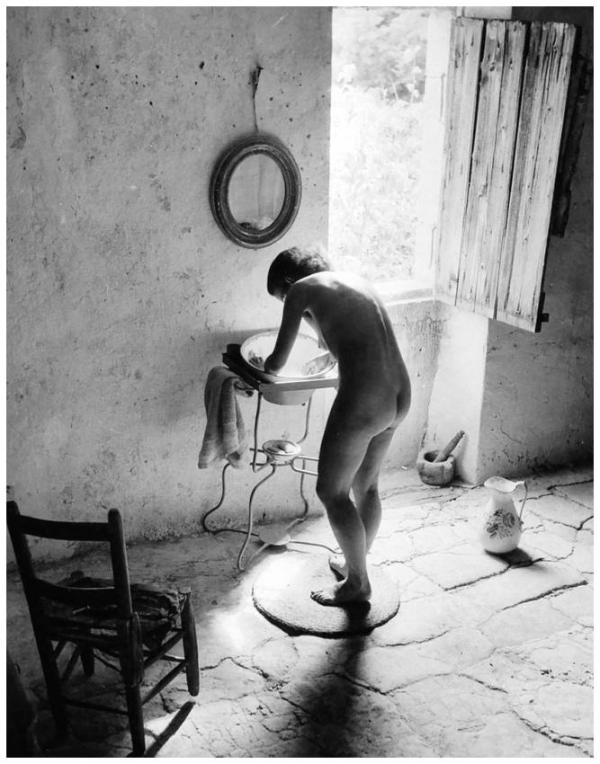 16 - Ronis - Le nu provençal - Gordes 1949