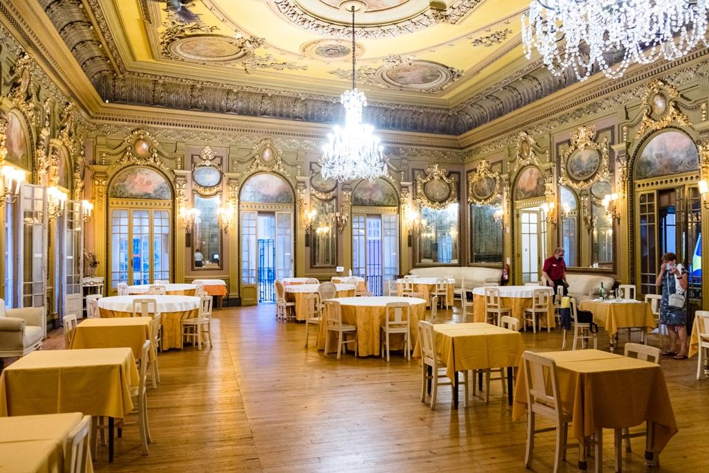 006 - Luxury restaurant in LIsbon